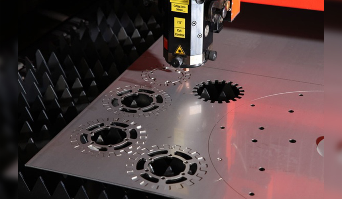 cutting metal hole