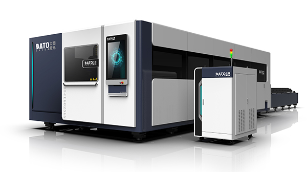 What are the advantages of the enclosed protective laser cutting machine?